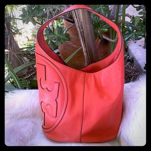 ❤️Tory Burch Large Bucket Hobo❤️